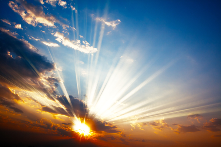 sun-rays-through-clouds